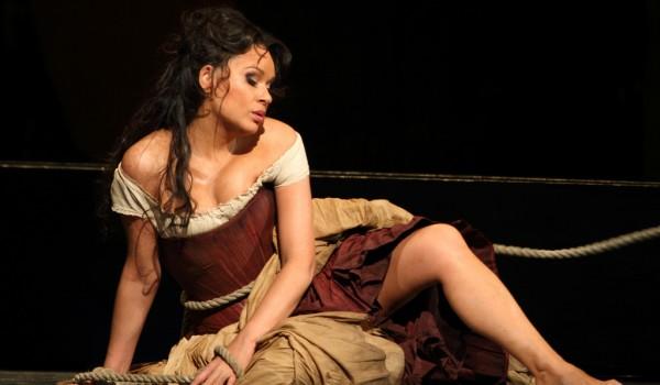 AYT Review: Carmen